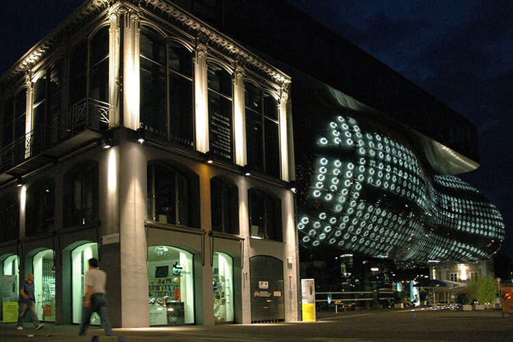 kunsthaus-graz-dunkel